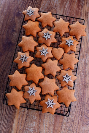 Holiday baking with Honey Gingerbread Cookies